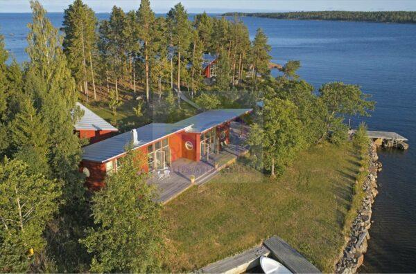 جزيرة للبيع في السويد